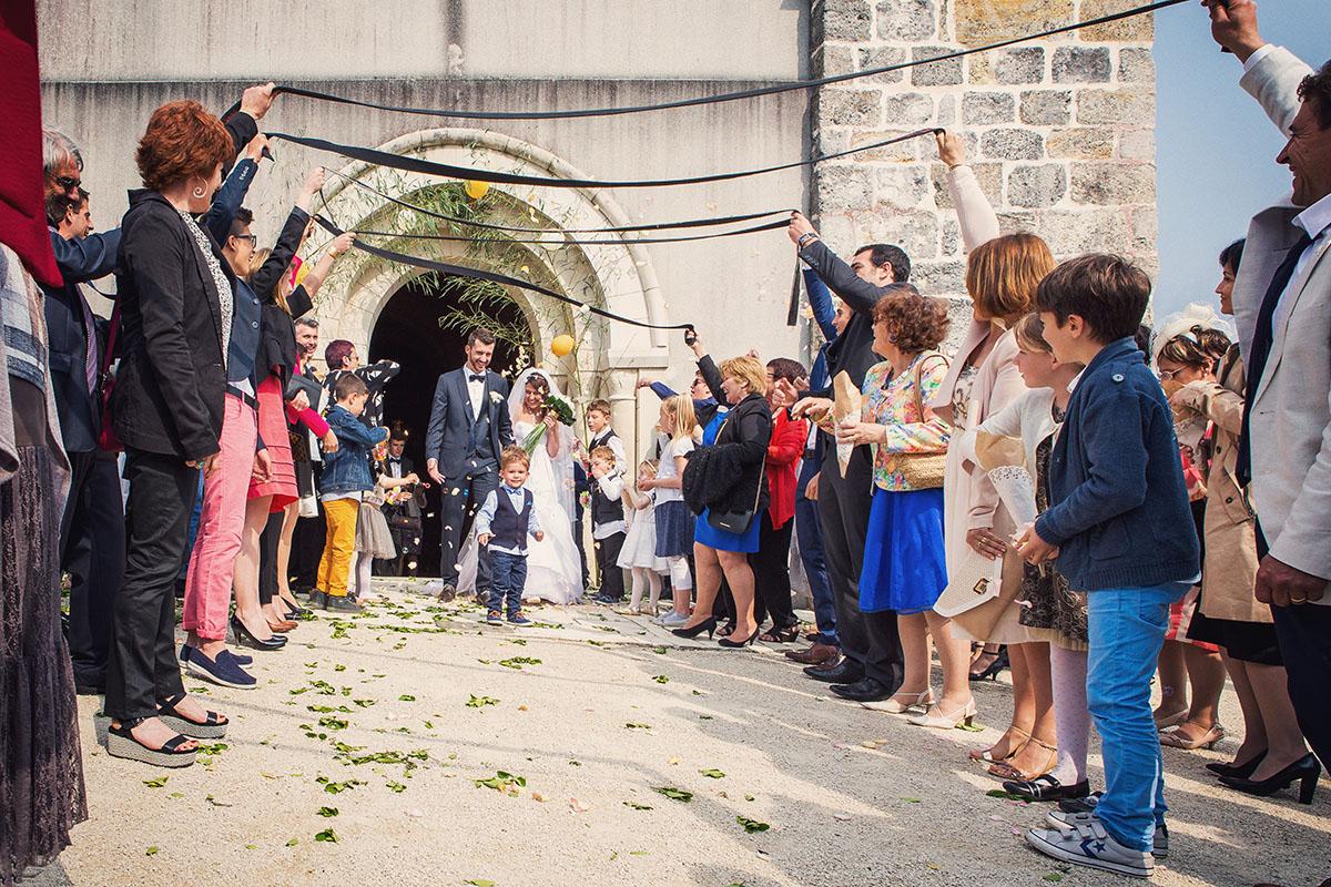 Mariage sortie église ruban ceinture karaté
