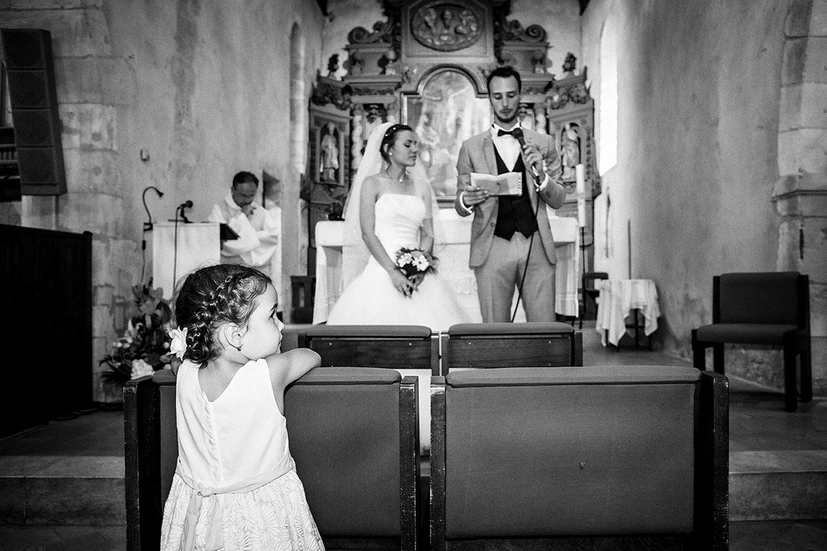 Mariage église enfant noir et blanc