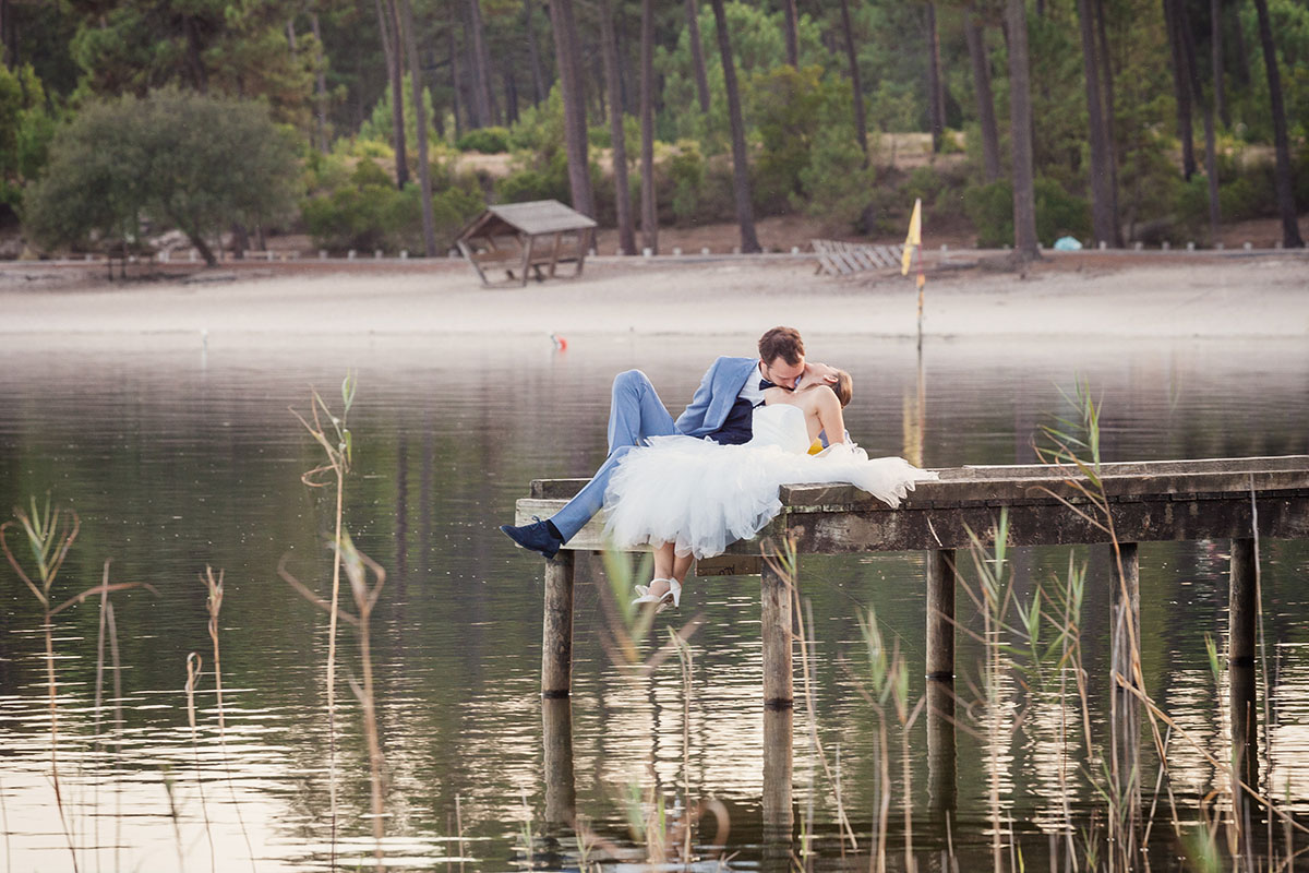 Mariage couple lac ponton