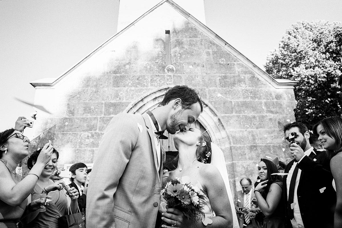 Mariage sortie église bulles