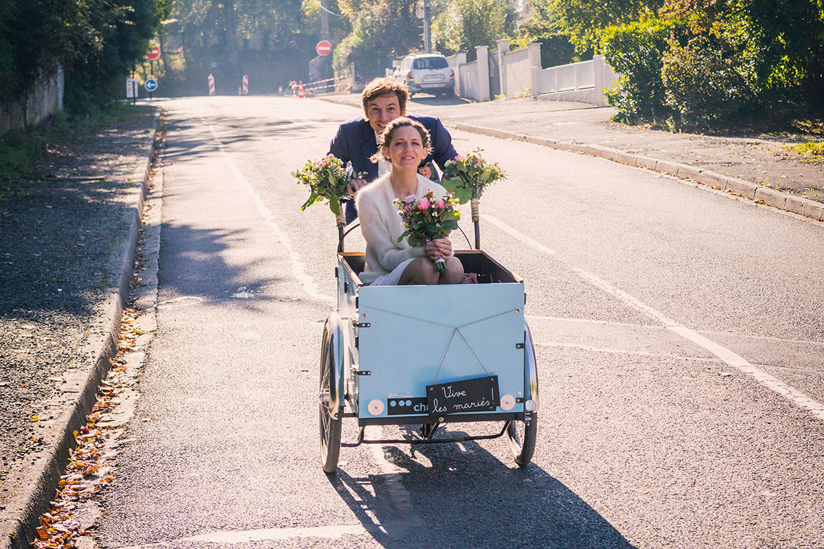 Mariage mariés tricycle