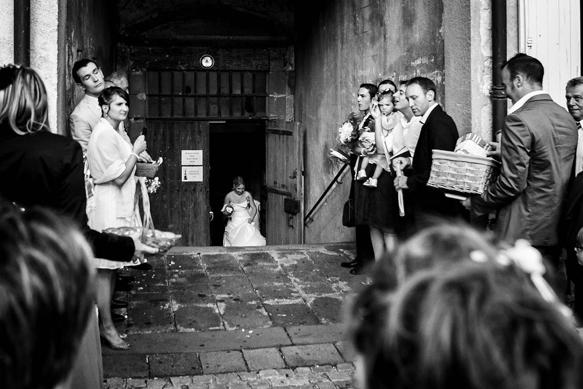 Mariage sortie église mariée