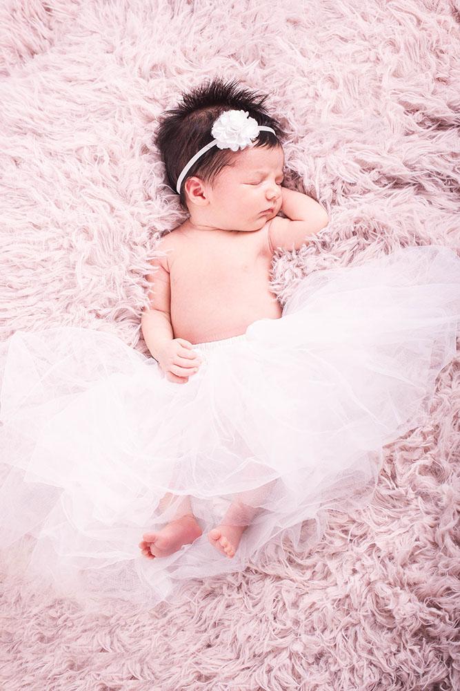 photographe tutu jupe rose nouveau-né studio