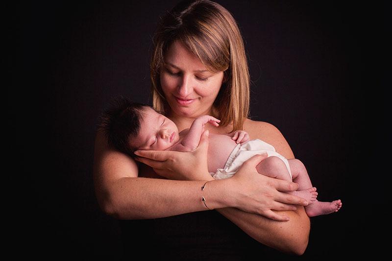 maman nouveau-né studio photographe