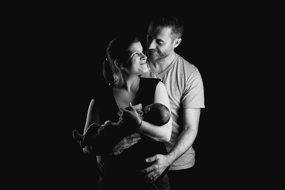 Nouveau né séance naissance studio couple bordeaux