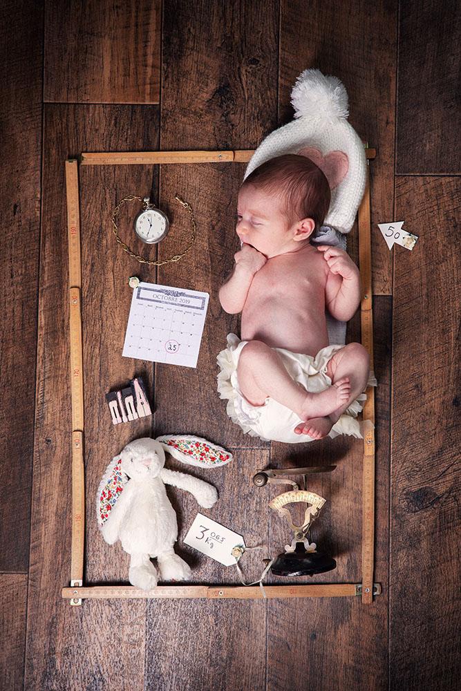 naissance nouveau-né flat lay studio photographe bordeaux